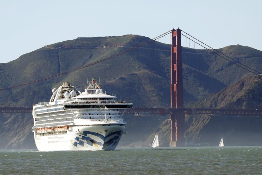 Ожидается, что пассажиры «Великой принцессы» с признаками коронавируса останутся в Калифорнии, а остальные будут отправлены на военную базу в районе Сан-Антонио.