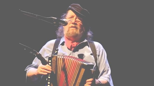 the-dubliners-barney-mckenna-melodeon-tunes-and-childhood-memories-live-2011-stuttgart