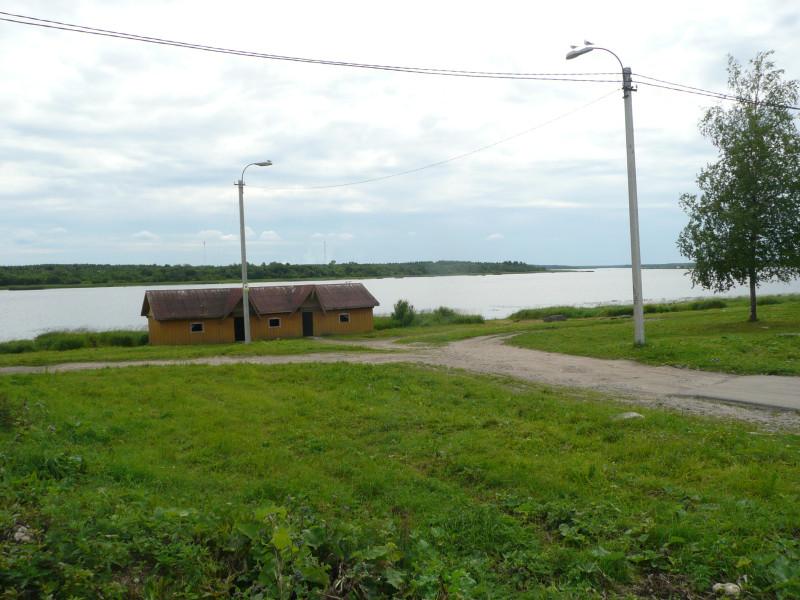 Центральная набережная. Озеро Лача или начало реки Онеги