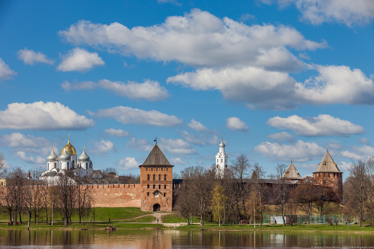 Владимирская башня Новгородского детинца