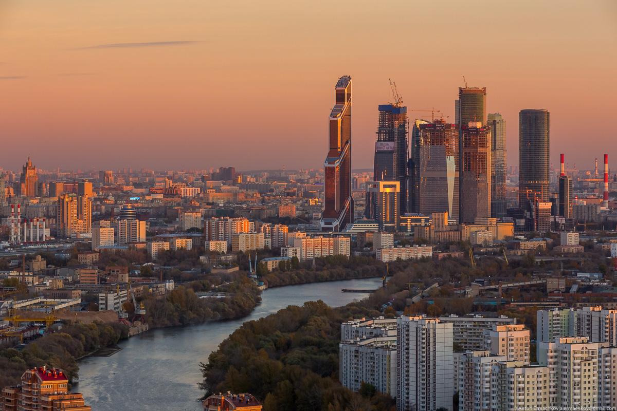 Городской пейзаж. Москва осенняя