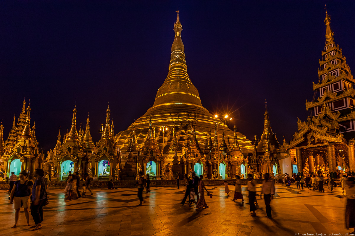 Swedagon Pagoda (night)-8