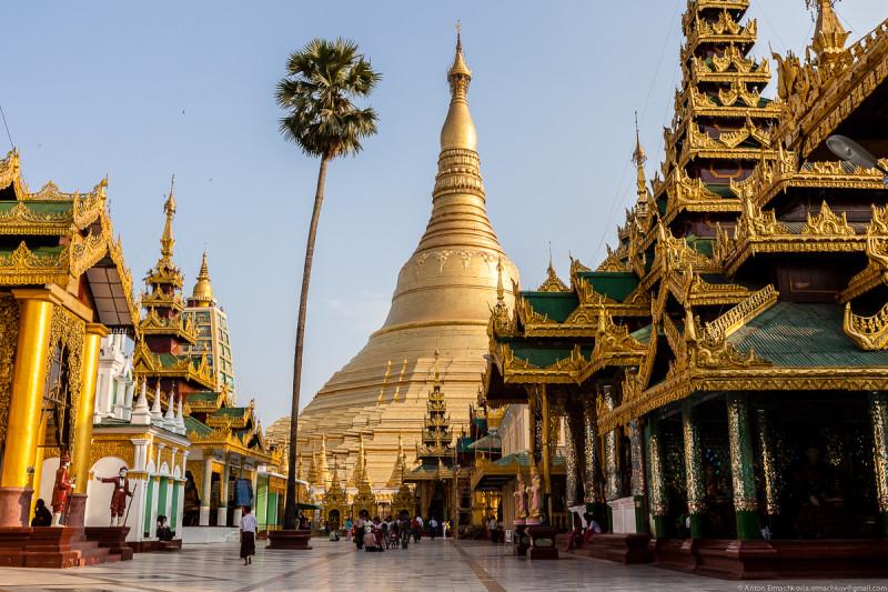 Shwedagon Pagoda (day)-01
