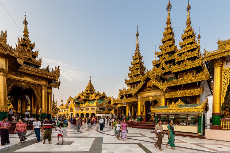 Shwedagon Pagoda (day)-02