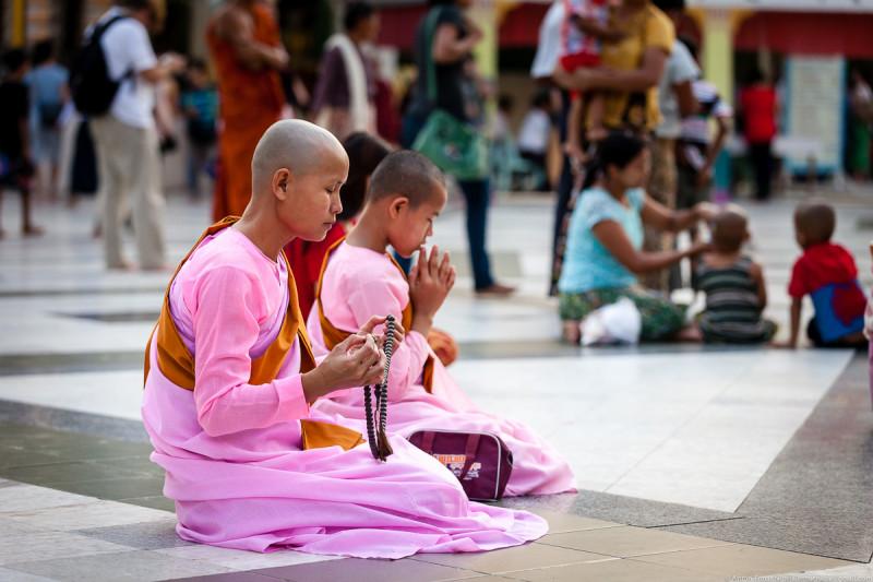 Shwedagon Pagoda (day)-05