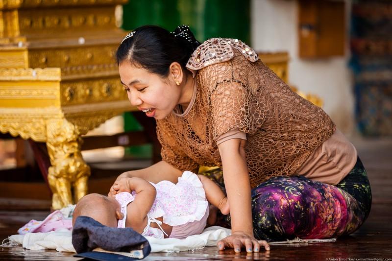 Shwedagon Pagoda (day)-06
