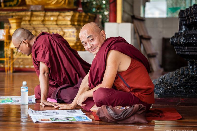 Shwedagon Pagoda (day)-07
