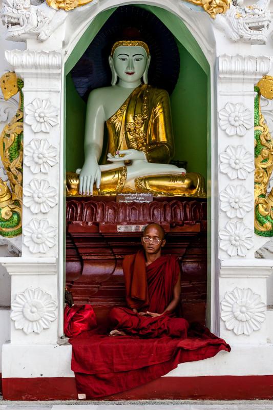 Shwedagon Pagoda (day)-08