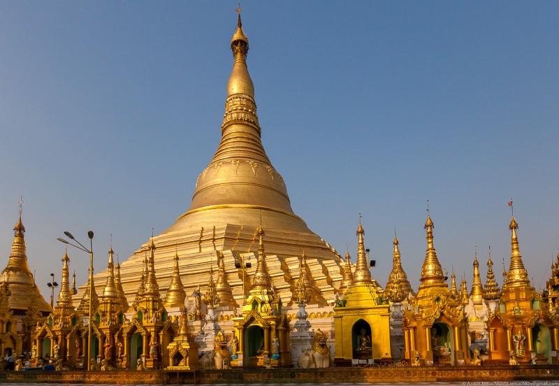 Shwedagon Pagoda (day)-13