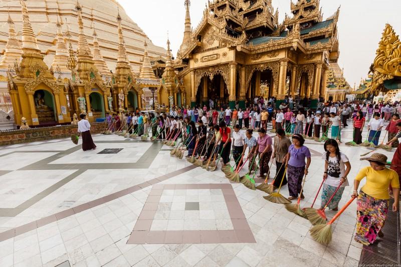 Shwedagon Pagoda (day)-20