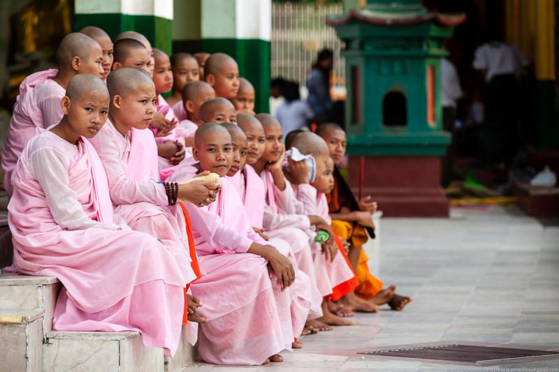 Shwedagon Pagoda (day)-22