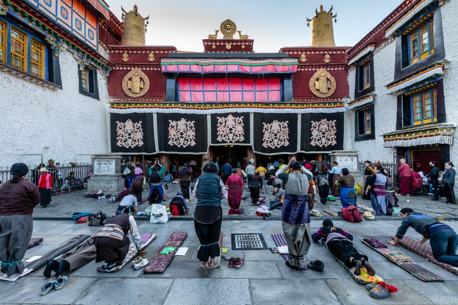 Tibetian pilgrim-1