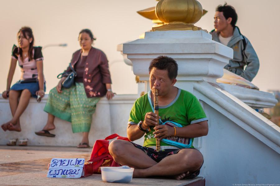 Vientian-11.jpg