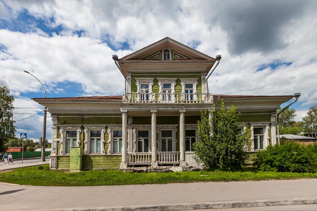 Дома из бревна на шведской плите фото комнате-музее представлены