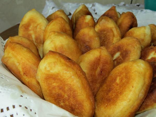Пирожки с картошкой из дрожжевого теста жареные