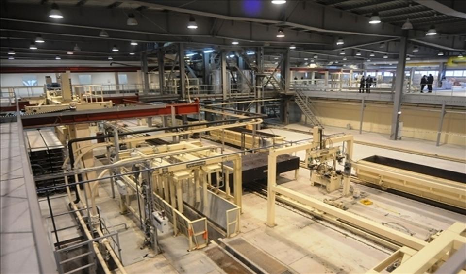 Интерьер современного промышленного предприятия(ИСПОЛЬЗУЮТСЯ балки переменного сечения)