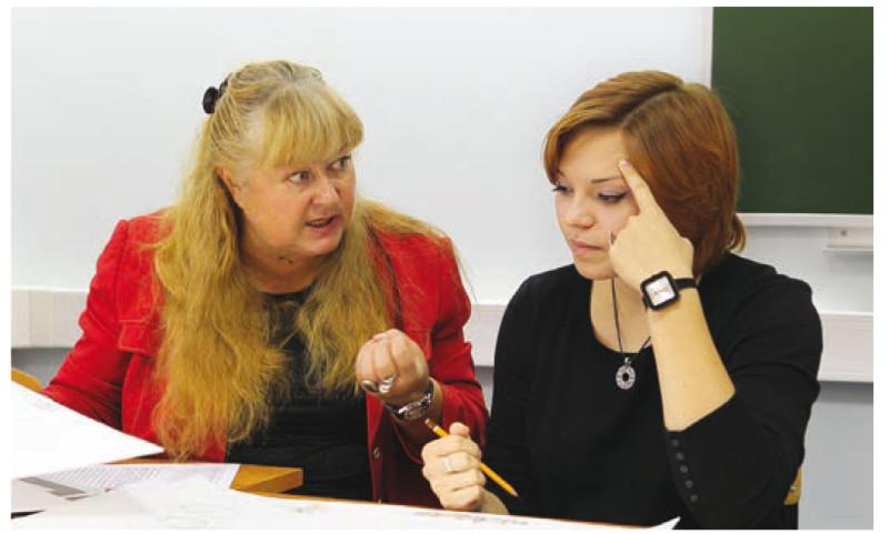 Ольга Леонидовна на занятиях со студентами
