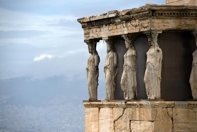 Акрополь. Кариатиды. Греция