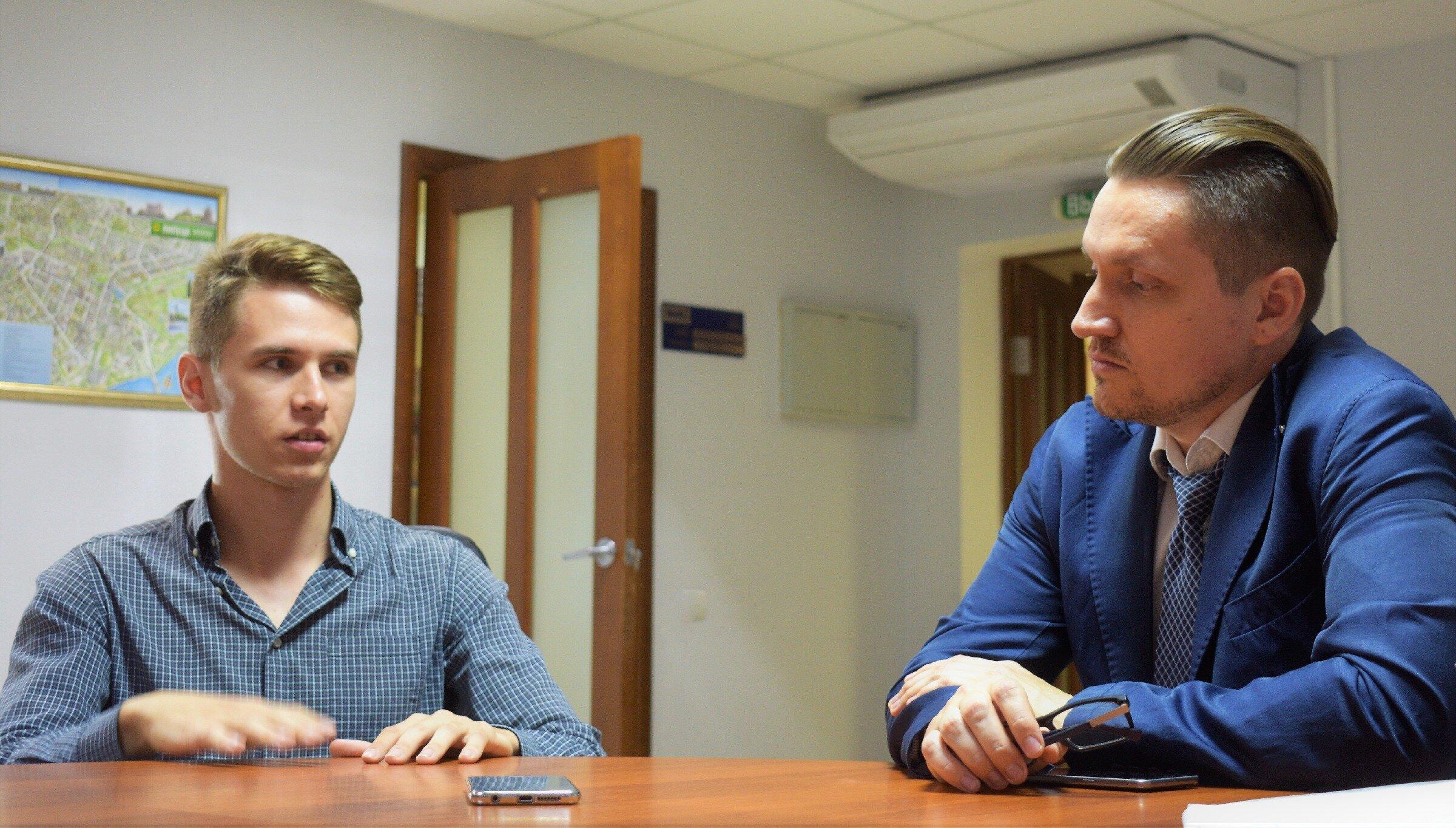 На встречу Антон Коста пришёл со своим студентом Андреем Сербенюком