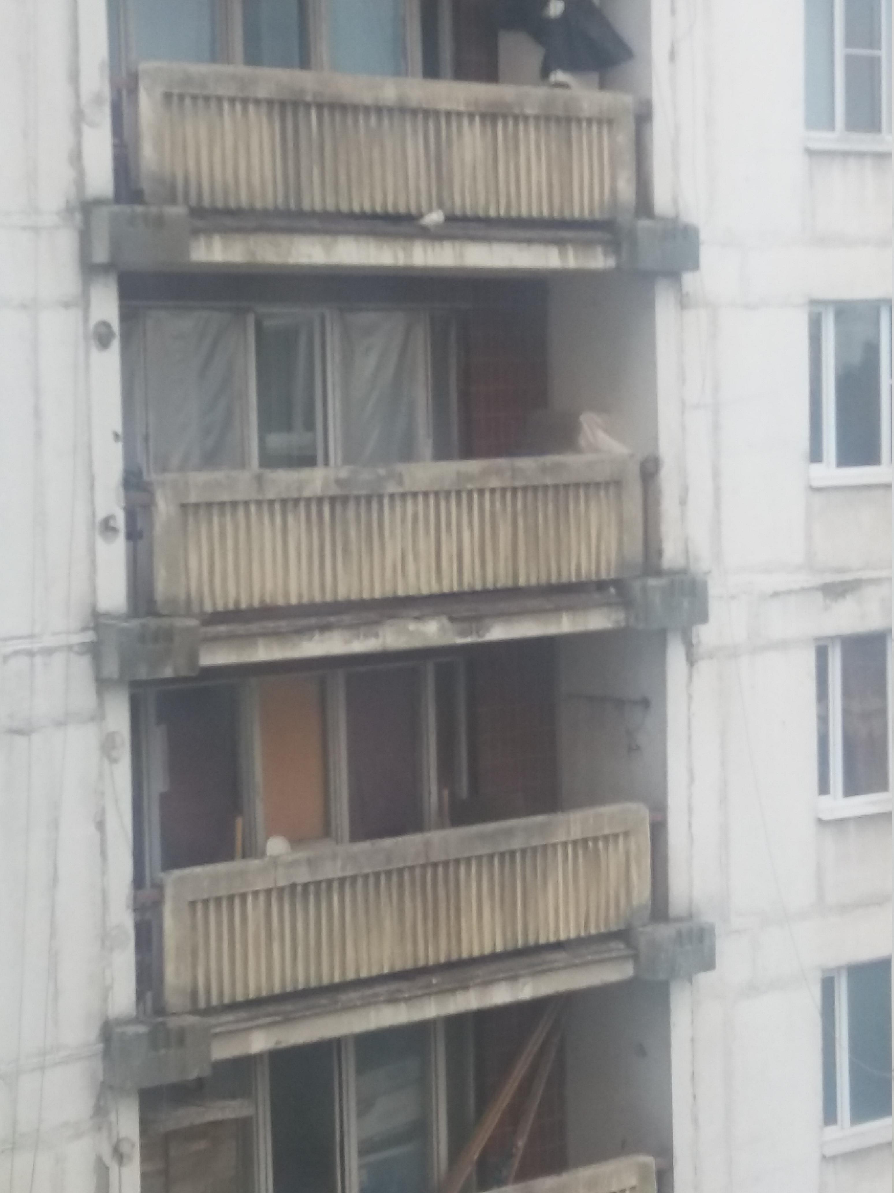 Москва. Состояние лоджий в одном из зданий на Ярославском шоссе