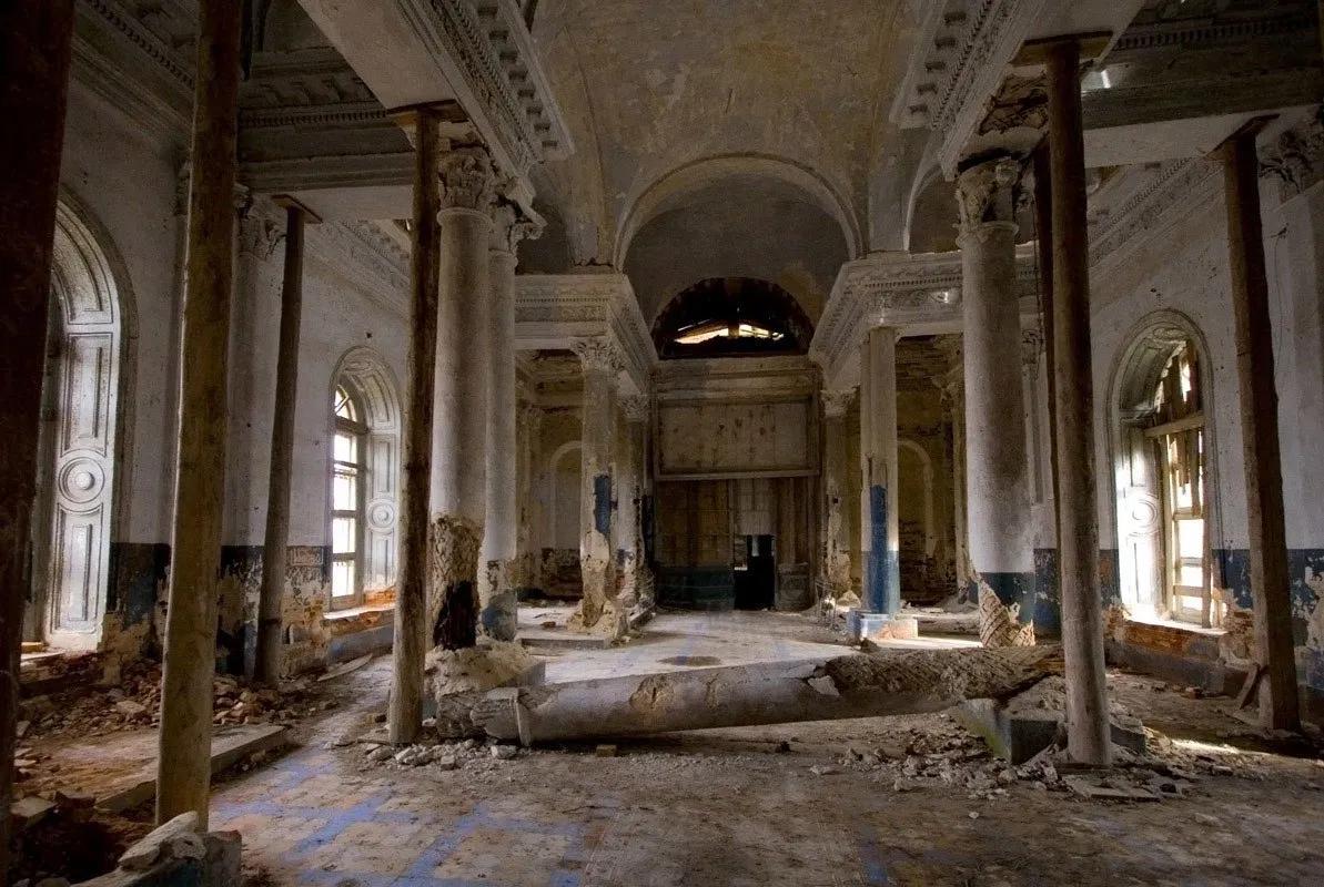 Примерно таким является состояние уникальных памятников истории и культуры России