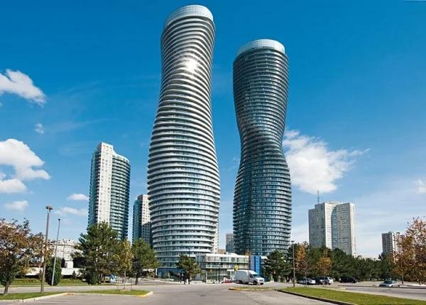 Absolute World — парные жилые небоскрёбы комплекса Absolute City Centre, состоящего из пяти зданий и расположенного в городе Миссиссога, Онтарио, Канада.