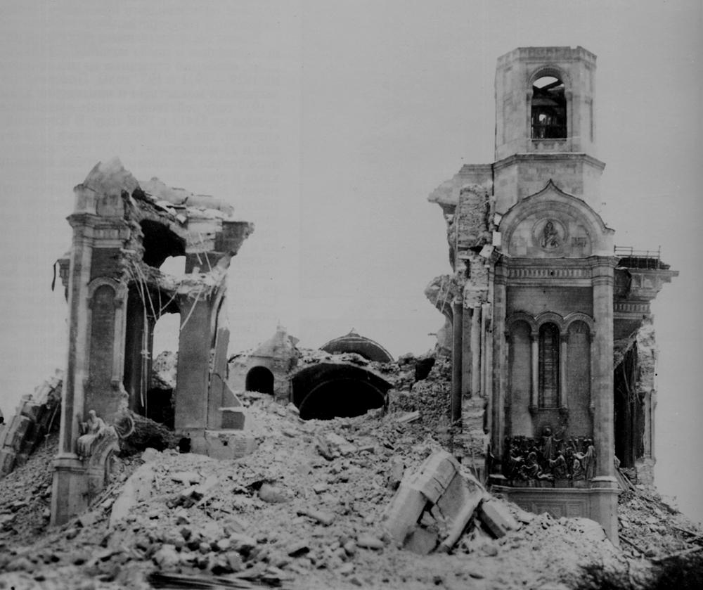 """Уничтожение памятника предвестило начало страшной Войны. """"...если они умолкнут, то камни возопиют"""" (Евангелие от Луки). Вот так страшно выглядели """"возопившие"""" камни после разрушения"""