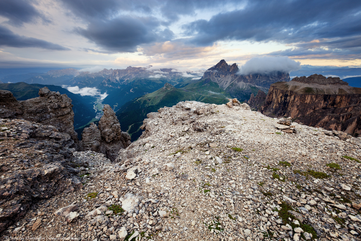 Cloudy and foggy sunrise at Dolomites mountains_3