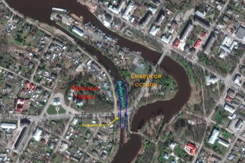 Современная дорога проходит на месте старого подъемного моста через реку Вытегру