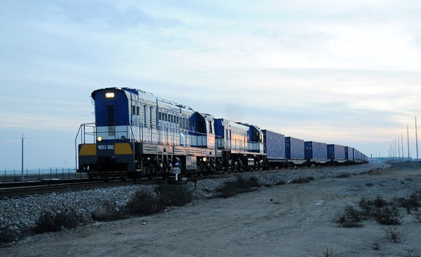 Аналитика: Второй поезд из Украины в обход Бензоколонки прибудет в Бакинский порт утром