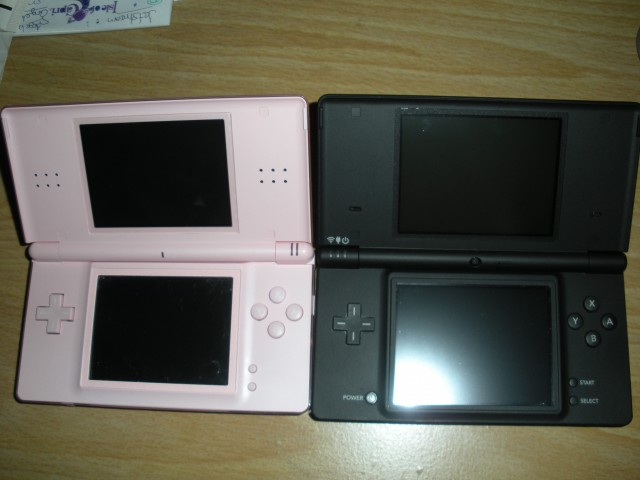 DS lite pink and DSi