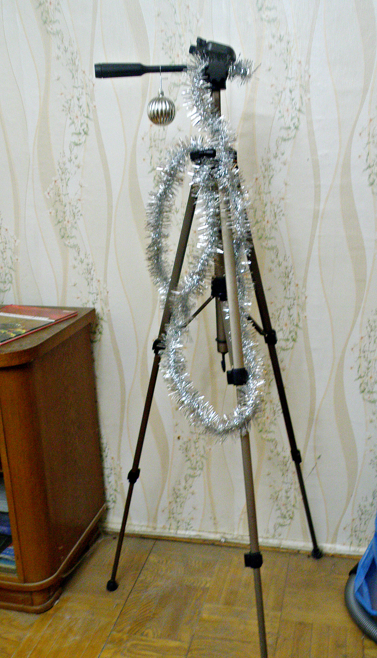 1. Настоящая ёлка фотографа. :)