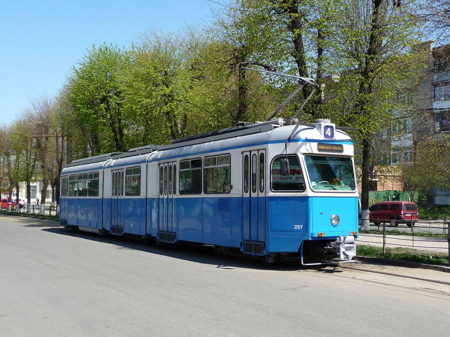 1280px-Tram_Be_4_6_Mirage_Vinnitsa_2009_G1