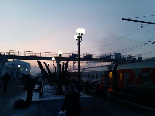 Уютный, утренний поезд в Чите