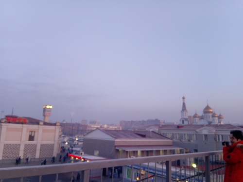 Я и китайский турист встречаем рассвет в Чите