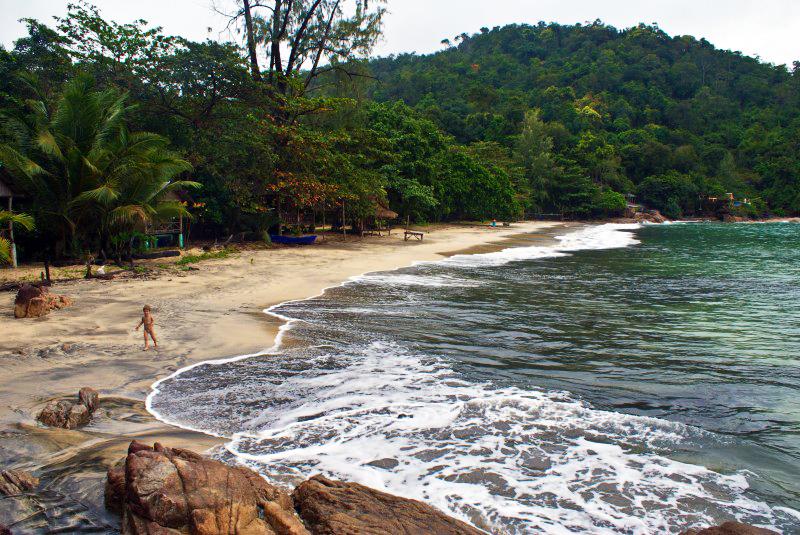 2. Как-то так мы предпочитали путешествовать. Чтобы других иностранцев не был на нашем пляже. А лучше вообще на острове