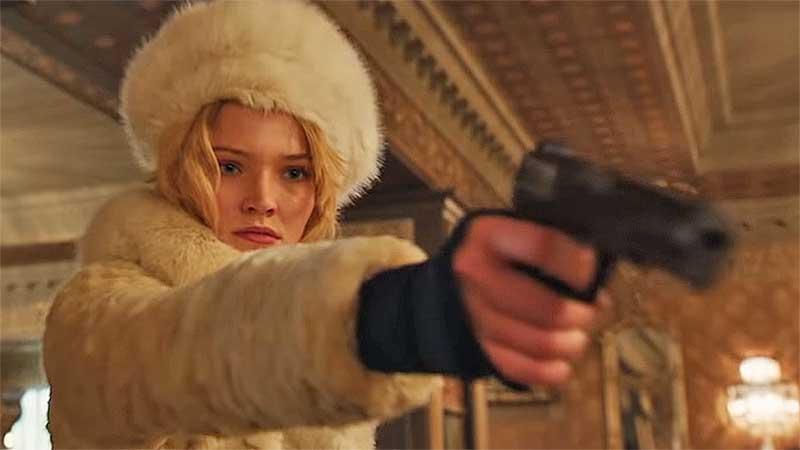 Александра Лусовкая (Sasha Luss) в роли Анны