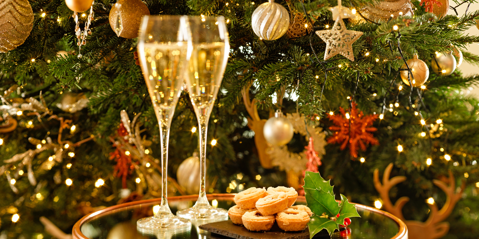 coworth-park-hotel-christmas-champagne-mince-pies