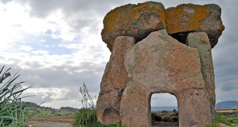 Оказывается, первые мегалиты были построены во Франции