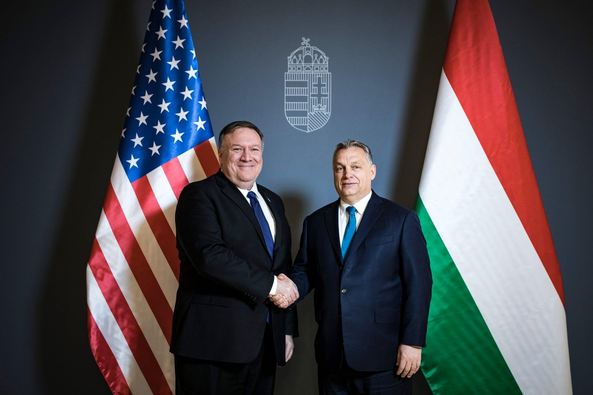 Майк Помпео и Виктор Орбан в Будапеште на прошлой неделе. Фото: Balazs Szecsodi / Пресс-служба премьер-министра Венгрии / HANDOUT / EPA