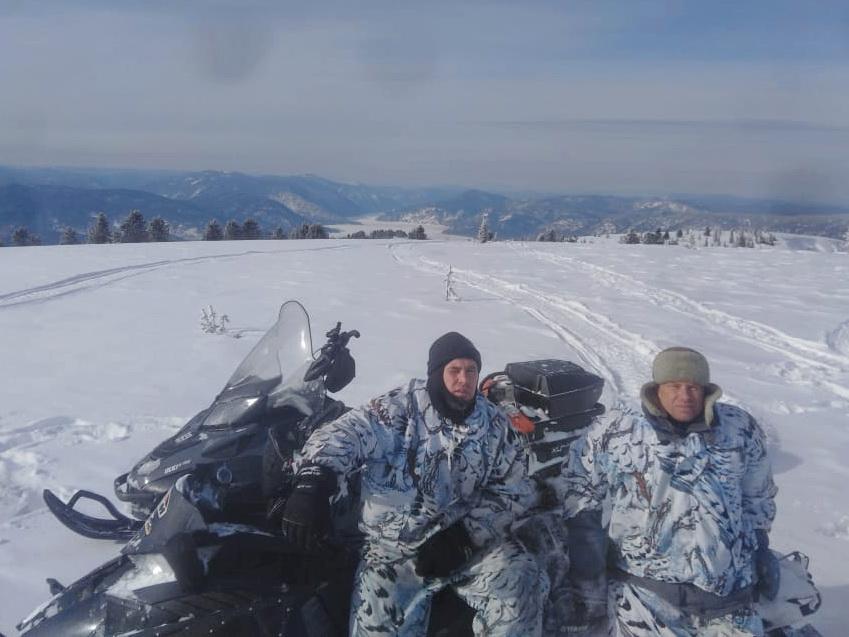 Волонтёры Андрей Калугин и Валерий Леонтьев.