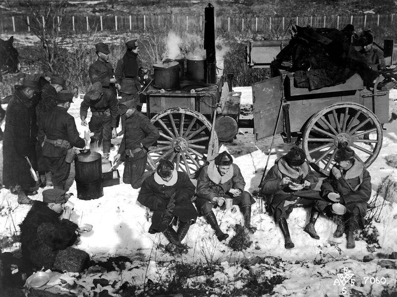 Американский пехотный лагерь в Сибири, Россия, декабрь 1918 г.