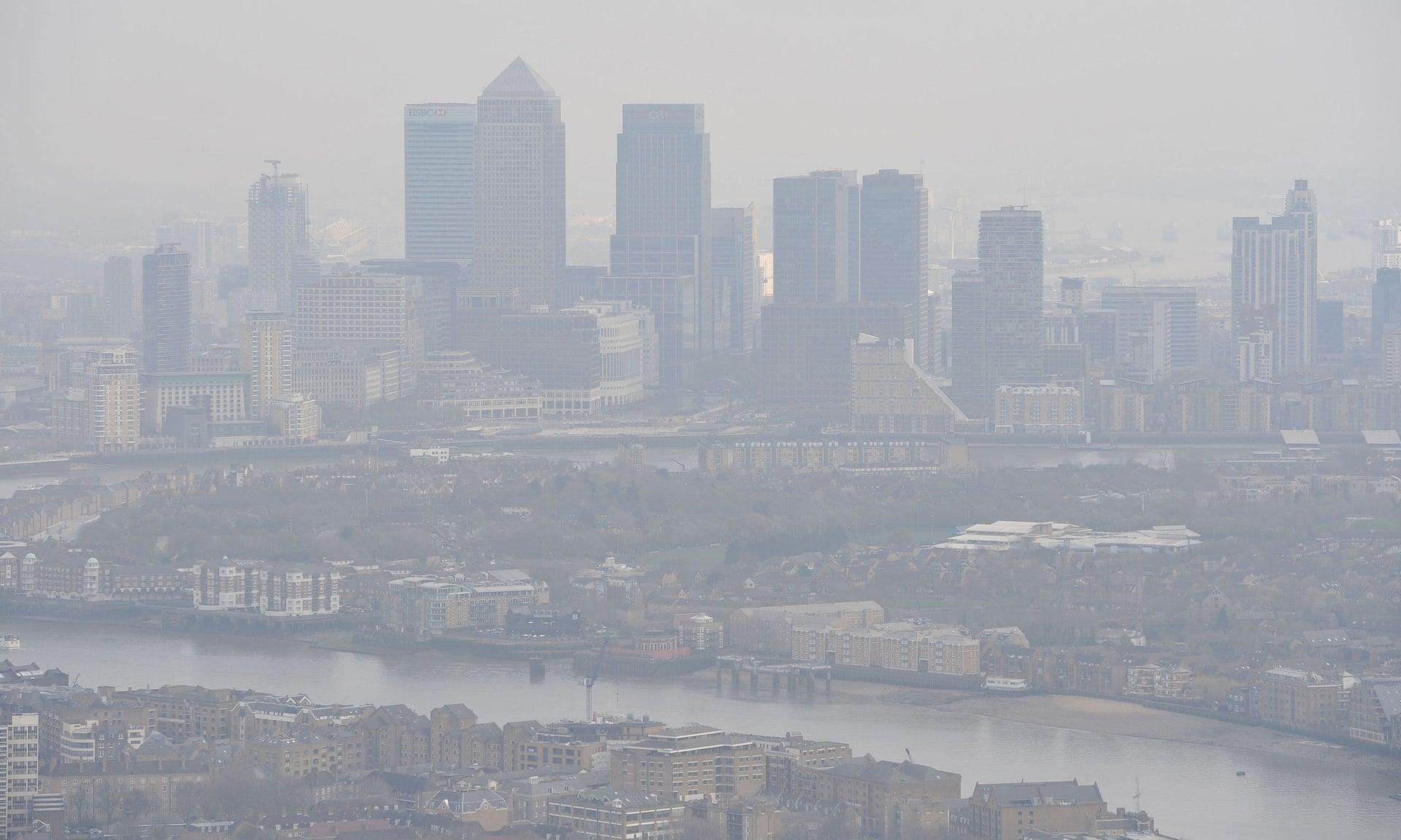 Загрязнение воздуха над Лондоном. По данным ученых, токсичный воздух вызывает больше ранних смертей, чем курение табака. Фото: Ник Анселл / PA