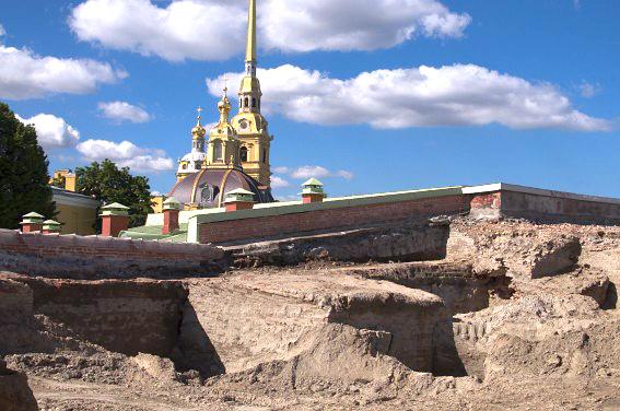 Земляные работы на Меншиковом бастионе Петропавловской крепости.