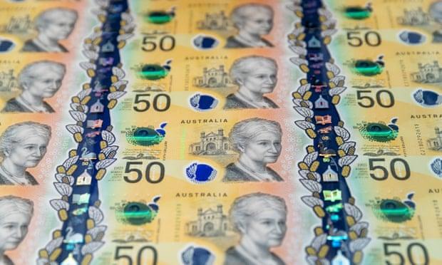 Резервный банк подтвердил орфографическую ошибку в 46 млн новых австралийских банкнот достоинством 50 долларов. С опечаткой написано слово «ответственность». Фотография: Даниэль Покетт / AAP.