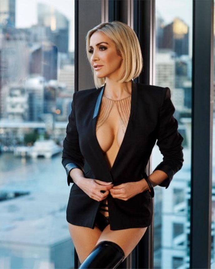 Escort Samantha, Agency Luxury Vip Escort