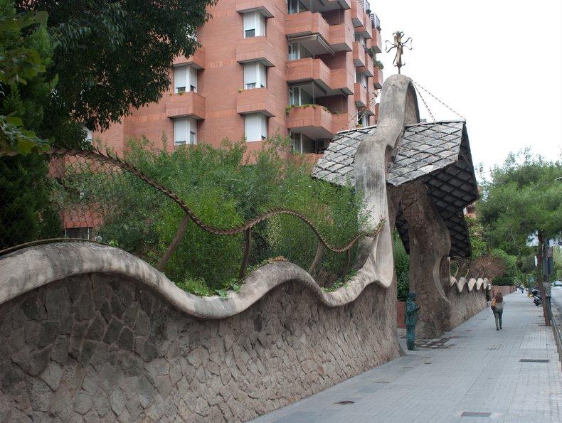 Портал Миральес (вид сбоку)