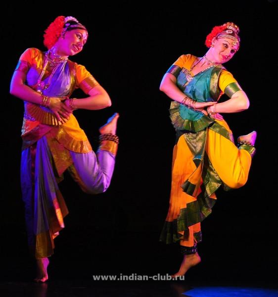 Indian-dance-party-apsara9