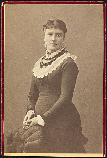 405px-Portrett_av_Amalie_Skram,_1877