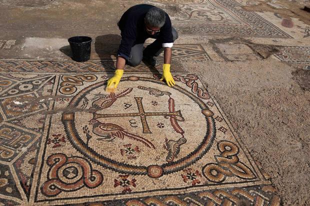 уникальная византийская церковь с мозаиками